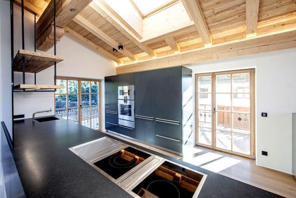 luxusimmobilien auf der sonnigsten seite kitzb hel. Black Bedroom Furniture Sets. Home Design Ideas
